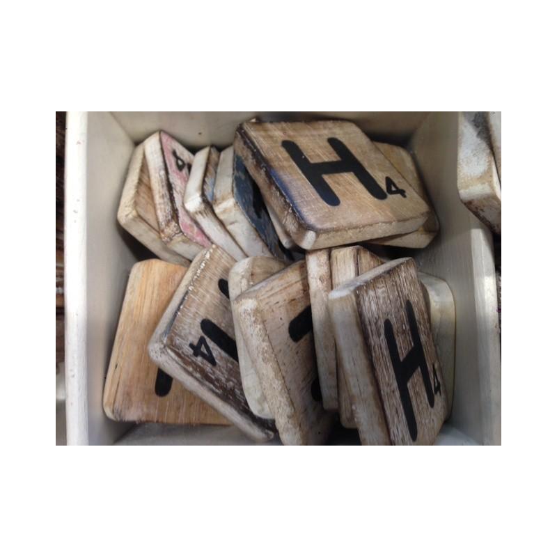 Scrabble letters hout groot
