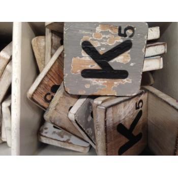 Scrabble letter K hout 6 x 6 cm