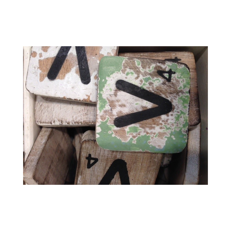 Wordfeud letter V hout