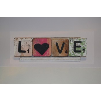 L♥VE in houten scrabbleletters